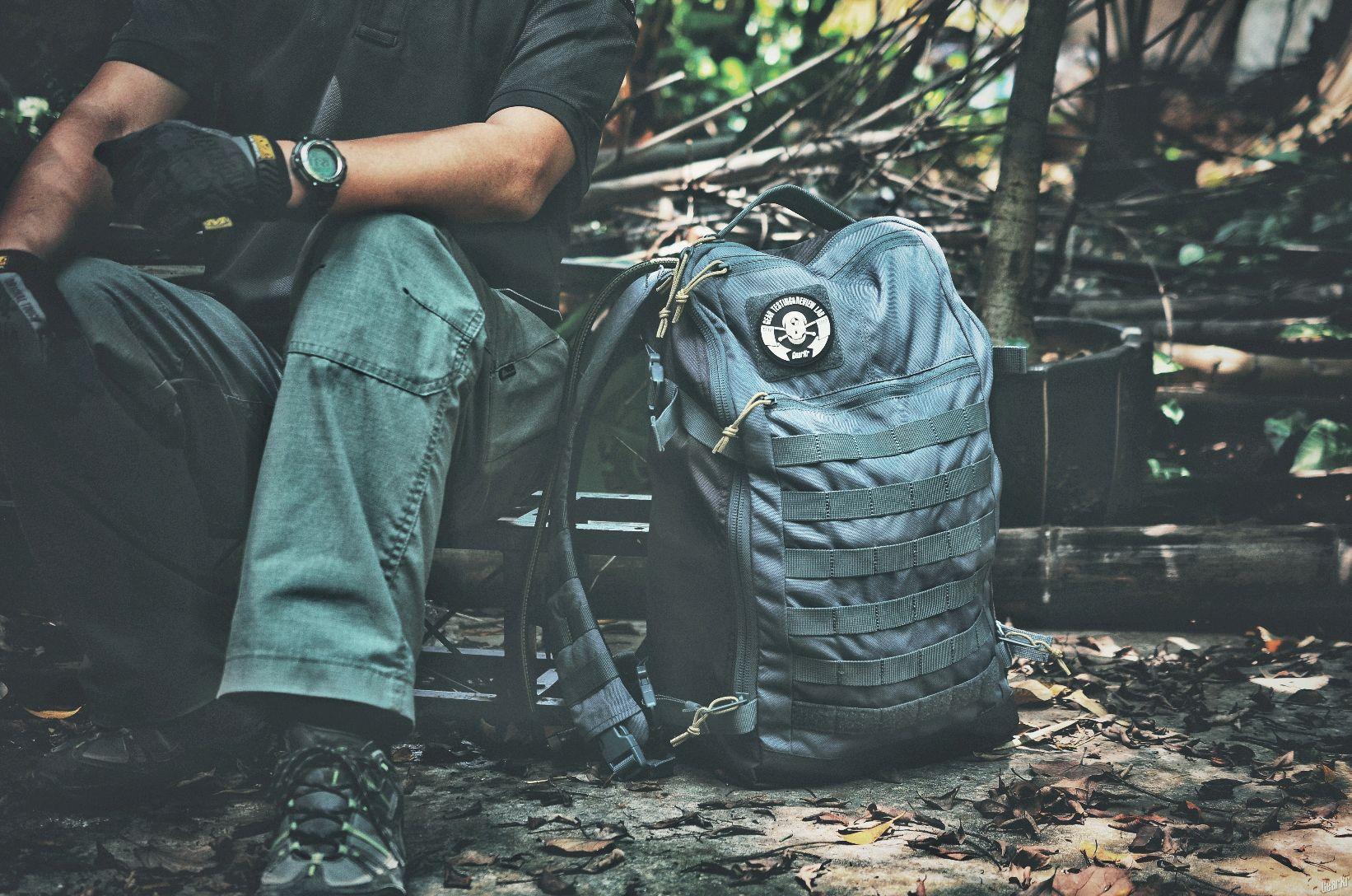 平衡的选择,5.11 Rapid Quad Zip Pack 背包。